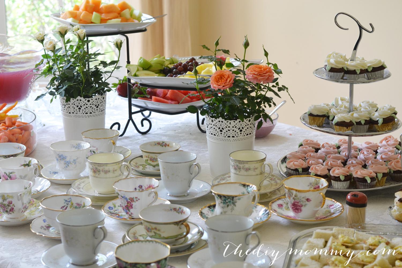 A Vintage Bridal Shower Craft & Tea | The DIY Mommy